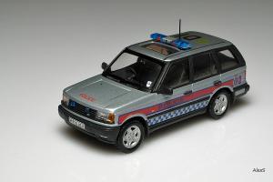 Прикрепленное изображение: Range_Rover_Serie_2_Police_2_Autoart_Code_3.jpg