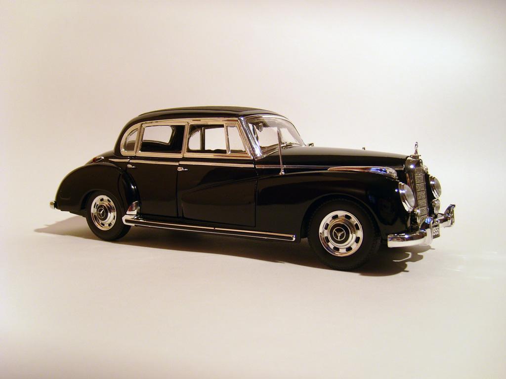Прикрепленное изображение: ______1955_Mercedes_300c_Limousine__W186_.jpg