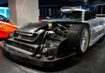 Прикрепленное изображение: Mercedes_CLK_GTR__16_on_25_20.jpg