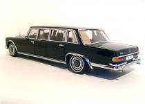 Прикрепленное изображение: 1964_Mercedes_600_Pullman_Limousine_2.jpg