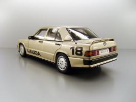 Прикрепленное изображение: 1984_Mercedes_Benz_190_E_2.3_16_Pr__228_sentationsfahrt_N__252_rburgring___18_Niki_Lauda_F2.jpg