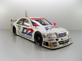 Прикрепленное изображение: 1994_AMG_Mercedes_Benz_C_Klasse_1994___7_Klaus_Ludwig_F.jpg