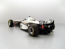 Прикрепленное изображение: 1997_McLaren_Mercedes_MP_4_12__9_Mika_H__228_kkinen_F3.jpg
