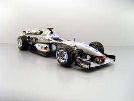 Прикрепленное изображение: 2003_McLaren_Mercedes_MP_4_17D__5_David_Coulthard_F.jpg