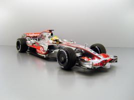 Прикрепленное изображение: 2008_McLaren_Mercedes_MP_4_23__22_Lewis_Hamilton_F.jpg