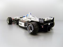 Прикрепленное изображение: 1998_McLaren_Mercedes_MP_4_98T_F2.jpg