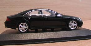 Прикрепленное изображение: Mercedes_Benz_CLS_2004_1.jpg