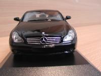 Прикрепленное изображение: Mercedes_Benz_CLS_2004_2.jpg