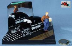 Прикрепленное изображение: VITESSE_1_43__VW_VOLKSWAGEN_10.000___1946_LTD_EDITION_pic_3.jpg