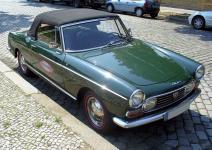 Прикрепленное изображение: 800px_Peugeot_404_Cabriolet.jpg
