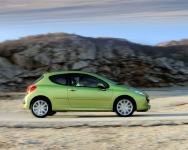 Прикрепленное изображение: Peugeot_20207_201_6_2016V_20THP_20GT_201280x1024.jpg