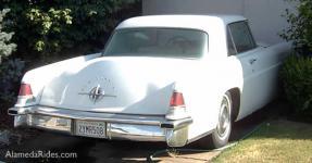 Прикрепленное изображение: Lincoln_ContinentalMarkIICoupe1956.jpg