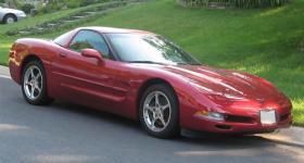 Прикрепленное изображение: Chevrolet_Corvette_C5.jpg