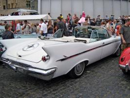 Прикрепленное изображение: 1961_Imperial_Crown_Cabrio_Heck.jpg