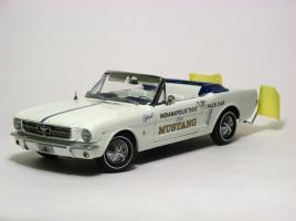 Прикрепленное изображение: 1964_Mustang_Pace_Car1.JPG