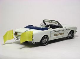 Прикрепленное изображение: 1964_Mustang_Pace_Car2.JPG