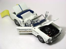 Прикрепленное изображение: 1964_Mustang_Pace_Car6.JPG
