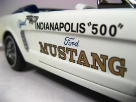 Прикрепленное изображение: 1964_Mustang_Pace_Car12.JPG
