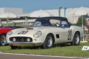 Прикрепленное изображение: 1959_Ferrari_250CaliforniaSpyderCompetizione1.jpg