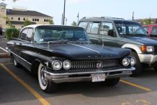Прикрепленное изображение: 1960_Buick_electra_225_front.JPG