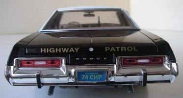 Прикрепленное изображение: Dodge_Monaco_4_door_Sedan_California_Highway_Patrol_1974__ERTL___Autoworld___18_.JPG