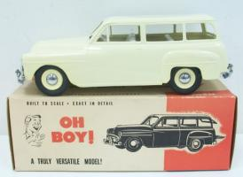 Прикрепленное изображение: Plymouth_1951_Cream_Station_Wagon_Promo_Car.jpg