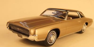 Прикрепленное изображение: 1967_Ford_Thunderbird_Landau.jpg