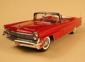 Прикрепленное изображение: 1959_Lincoln_Continental_convertible.jpg