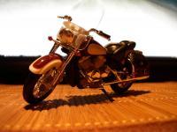 Прикрепленное изображение: moto_1sht.jpg