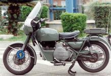 Прикрепленное изображение: MOTO_GUZZI_NUOVO_FALCONE_500__1970.jpg