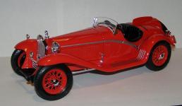 Прикрепленное изображение: 1932_Alfa_Romeo_8C_2300_Touring_1_18__Bburago__7008__3.JPG