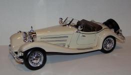Прикрепленное изображение: 1936_Mercedes_Benz_500_K_Roadster_1_20__Bburago__7020__3.JPG