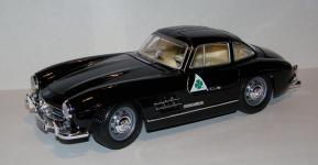 Прикрепленное изображение: 1954_Mercedes_Benz_300_SL__W198__1_18__Bburago__1.JPG