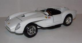 Прикрепленное изображение: 1957_Ferrari_250_Testa_Rossa_1_24__Bburago__5507__2.JPG
