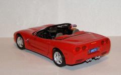 Прикрепленное изображение: 1998_Chevrolet_Corvette_C5_LT_1_1_24__Bburago__5576__3.JPG