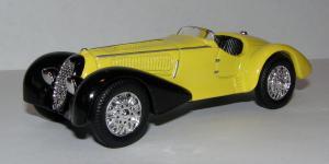 Прикрепленное изображение: 1938_Alfa_Romeo_8C_2900_Mille_Miglia_Roadster__New_Ray__48464__1.JPG
