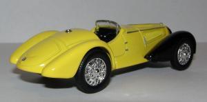 Прикрепленное изображение: 1938_Alfa_Romeo_8C_2900_Mille_Miglia_Roadster__New_Ray__48464__2.JPG