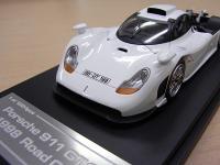 Прикрепленное изображение: 8029_Porsche_911_GT1_1998__Road_Car_01.jpg
