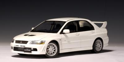 Прикрепленное изображение: MITSUBISHI_LANCER_EVOLUTION_VII_STREET_CAR__WHITE___autoart_77162_.jpg
