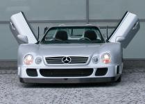 Прикрепленное изображение: amg_clk_gtr_street_version_roadster_2.jpg