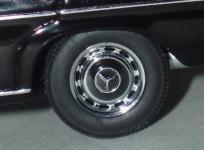 Прикрепленное изображение: Mercedes_Benz_8_220D_5.jpg