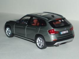 Прикрепленное изображение: BMW_X1_2.jpg