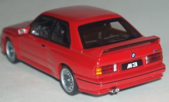 Прикрепленное изображение: BMW_M3_Sport_Evolution_E30_2.jpg