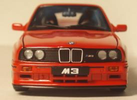 Прикрепленное изображение: BMW_M3_Sport_Evolution_E30_5.jpg