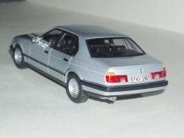 Прикрепленное изображение: BMW_7_er_E32_2.jpg