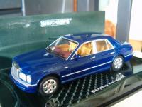 Прикрепленное изображение: Bentley_Arnage_R_Red_Label_2001_Minichamps_436139004.jpg