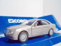 Прикрепленное изображение: Mercedes_Benz_W211_E350_2002_Corgi_TY97301.jpg