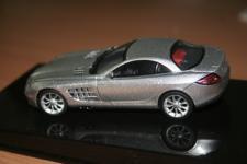 Прикрепленное изображение: Mercedes_SLR_Mclaren_AutoArt.jpg