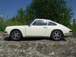 Прикрепленное изображение: Porsche_911_S_1967__1_.JPG