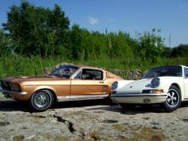 Прикрепленное изображение: Porsche_911_S_1967___Ford_Mustang_GT_390_1967___1_.JPG